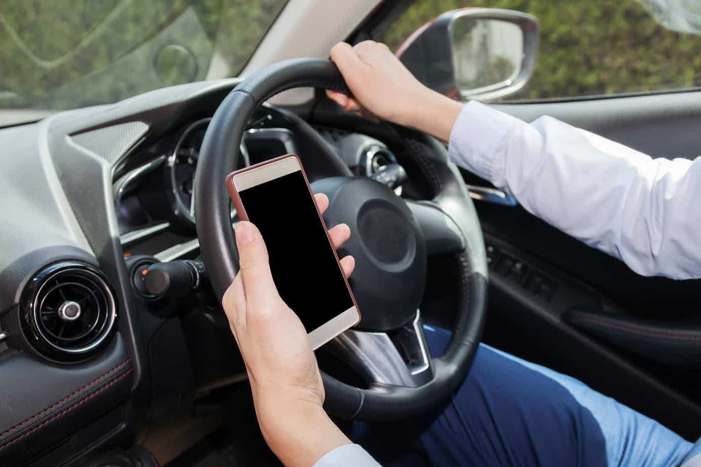 should texting while driving be banned On the issue of texting while driving, even less is known  future evaluations of  cellphone bans should link specific changes in driver behavior to changes in.